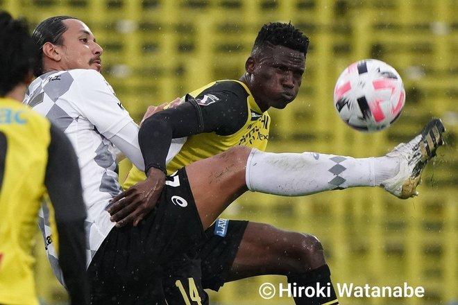 「4対0」でもイニエスタの猛追撃「柏ー神戸」PHOTOギャラリー「ピッチの焦点」の画像008