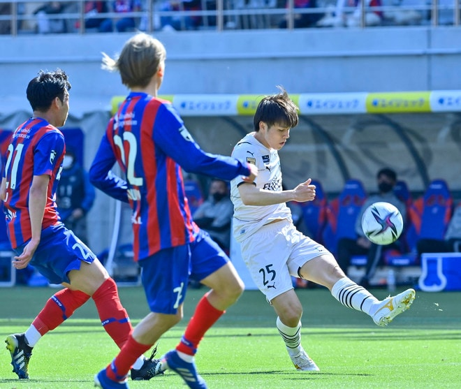 川崎、多摩川クラシコで圧倒!(3)試合の流れを変えかけた「1万7000人の観衆」の画像024