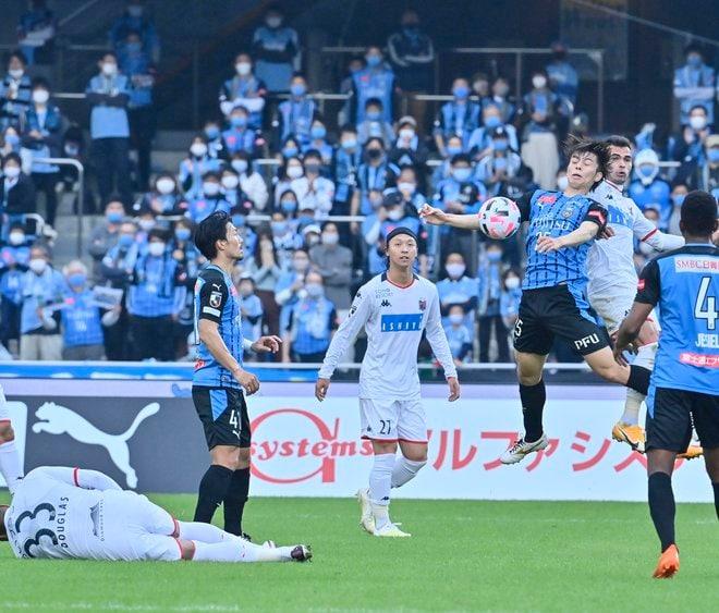 川崎は札幌になぜ負けたのか?(3)パスワークが崩壊した「中盤の複合的要因」の画像003