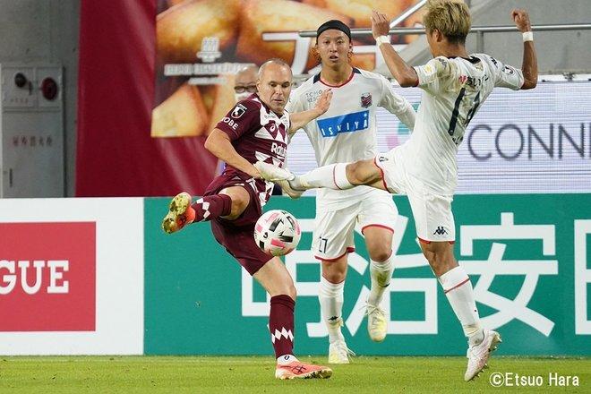 「神戸にはイニエスタがいる」原悦生PHOTOギャラリー「サッカー遠近」 神戸ー札幌の画像005