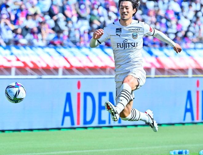 川崎、多摩川クラシコで圧倒!(3)試合の流れを変えかけた「1万7000人の観衆」の画像028