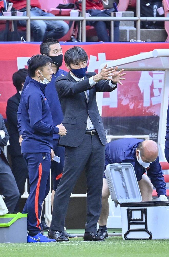 鹿島、横浜FMに大勝!(1)土居聖真のハットを呼び込んだ「後半の戦術変更」の画像055