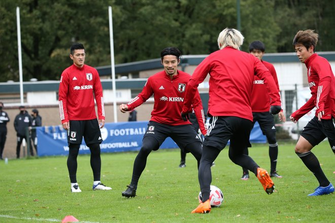 日本サッカー協会への提言「ヨーロッパに代表の拠点を!」(1)CMR戦とCIV戦の意義の画像007