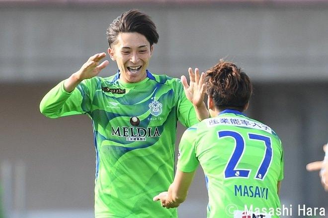 【ルヴァン杯】「1967年生まれ三浦知良」と「2000年生まれ根本凌」 湘南対横浜FCの画像002