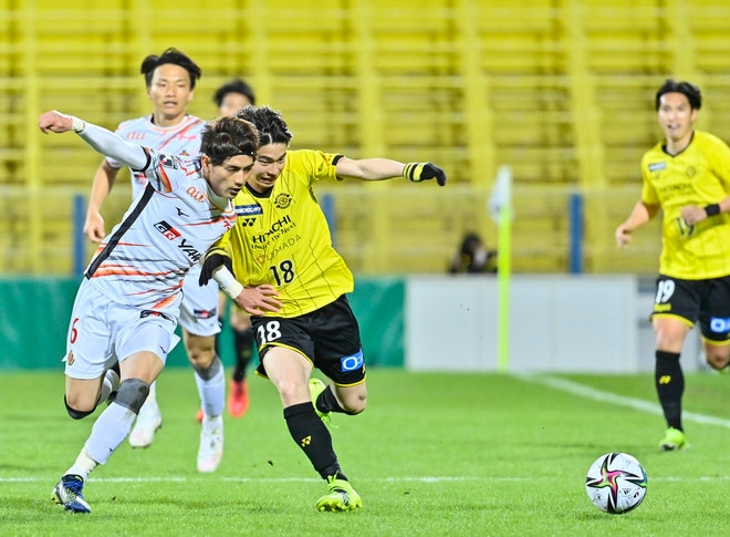 名古屋グランパス、タフに3連勝!(3)サイドを制するために「5-4-1」変更の画像046