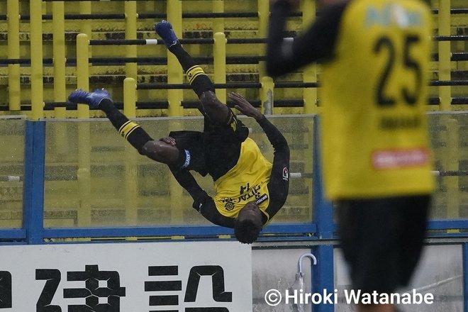 「4対0」でもイニエスタの猛追撃「柏ー神戸」PHOTOギャラリー「ピッチの焦点」の画像001