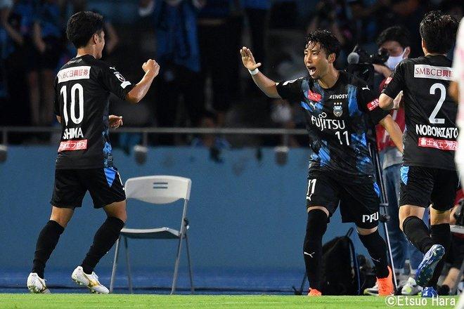 原悦生PHOTOギャラリー「サッカー遠近」 川崎ーC大阪「10連勝記録樹立!」の画像006