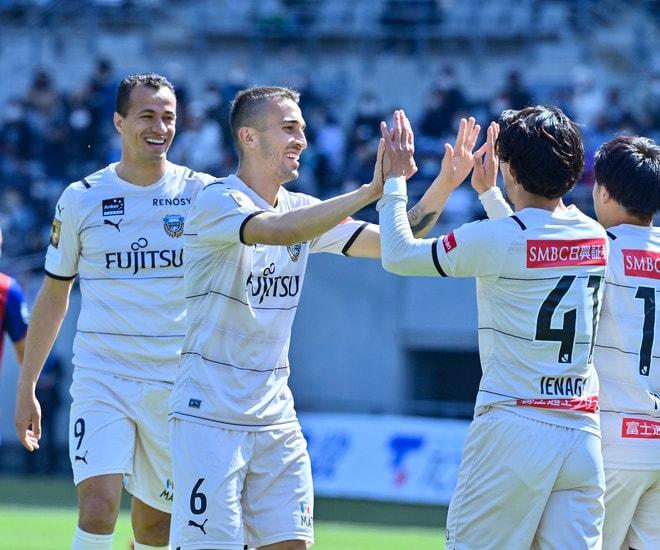川崎、多摩川クラシコで圧倒!(3)試合の流れを変えかけた「1万7000人の観衆」の画像015
