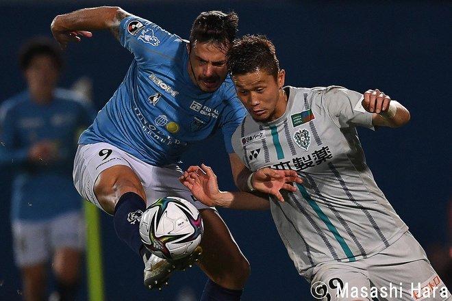 【J1分析】横浜FCのGK・市川暉記の仰天ミス!その「表情を変えたもの」と「ドローでも見えた希望」の画像003
