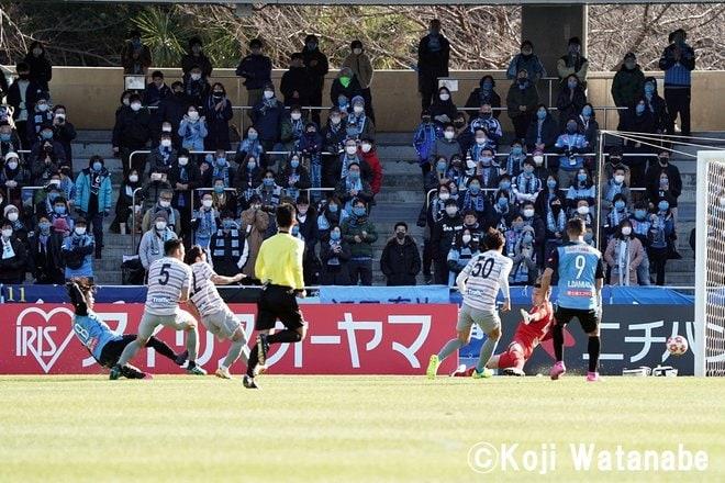 天皇杯決勝に向けて「川崎ファンから中村憲剛へ」18枚の写真の画像007