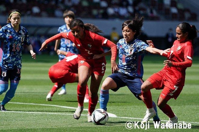 PHOTOギャラリー「ピッチの焦点」【国際親善試合 日本女子代表vsパナマ女子代表 2021年4月11日 6:04キックオフ】(撮影/渡辺航滋)の画像004
