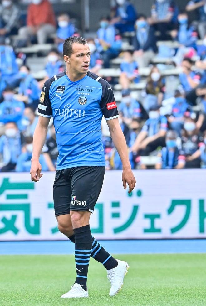 川崎、23戦無敗!(1)横浜FCを完璧にハメた「今季最強の前進プレス」の画像054