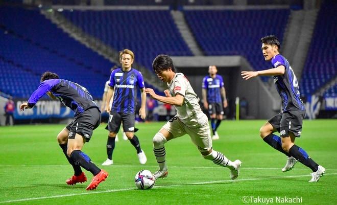 川崎、G大阪粉砕!(1)キャプテン・ダミアンの「得点」だけじゃない「ピッチ上の3つの振る舞い」の画像001