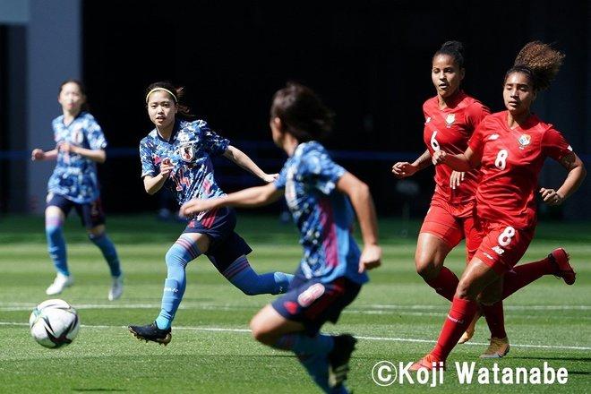PHOTOギャラリー「ピッチの焦点」【国際親善試合 日本女子代表vsパナマ女子代表 2021年4月11日 6:04キックオフ】(撮影/渡辺航滋)の画像008
