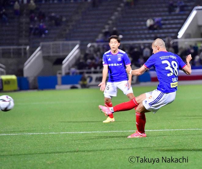 横浜Fマリノス3連勝!(2)またも怒号が飛び交った「VARノーゴール判定」の画像040