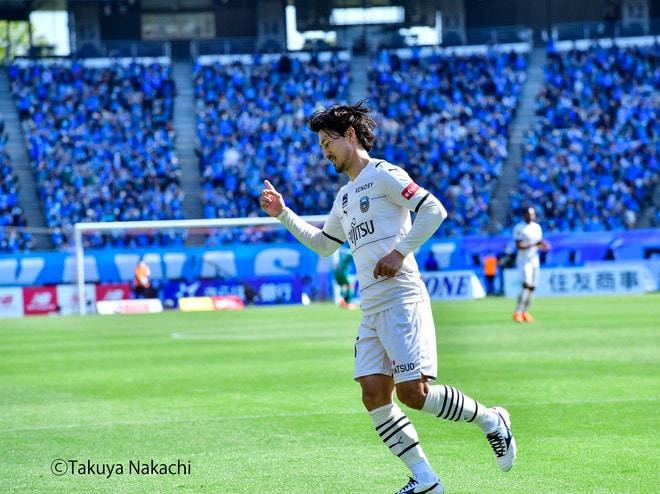 川崎、多摩川クラシコで圧倒!(3)試合の流れを変えかけた「1万7000人の観衆」の画像001
