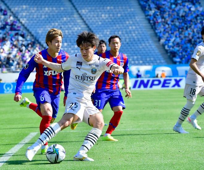 川崎、多摩川クラシコで圧倒!(3)試合の流れを変えかけた「1万7000人の観衆」の画像036