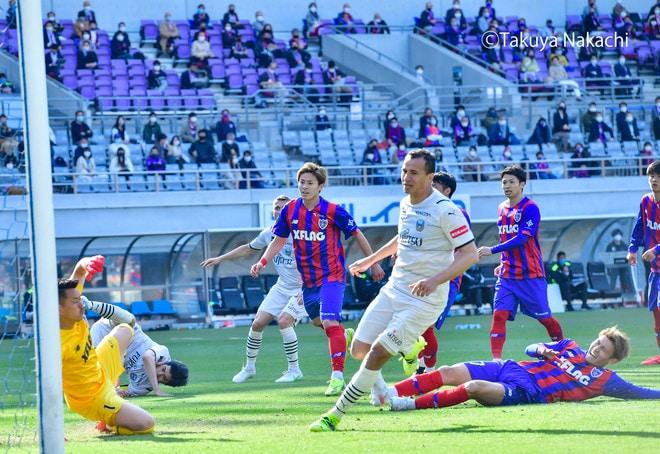 川崎、多摩川クラシコで圧倒!(3)試合の流れを変えかけた「1万7000人の観衆」の画像002