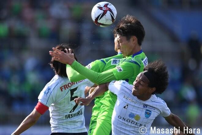 【ルヴァン杯】「1967年生まれ三浦知良」と「2000年生まれ根本凌」 湘南対横浜FCの画像004