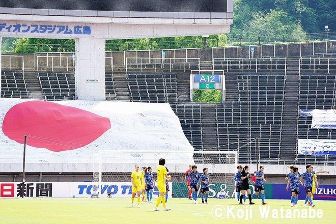 【なでしこジャパン】8対0でウクライナ代表に圧勝も…高倉監督が試合後に呼んだ2人の選手 PHOTOギャラリー「ピッチの焦点」の画像002