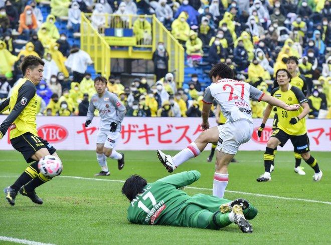 名古屋、采配対決に勝った!(1)選手に授けた「我慢」と「スペースの使い方」の画像017