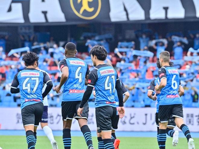 川崎、23戦無敗!(1)横浜FCを完璧にハメた「今季最強の前進プレス」の画像056