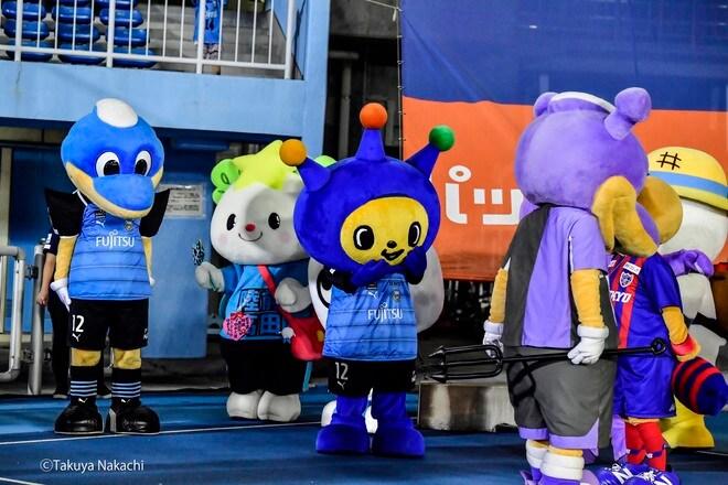 Jリーグ・川崎―FC東京のピッチレベルをパトカーが突然走行!「直前に起きた衝撃事件 」とは!?の画像004