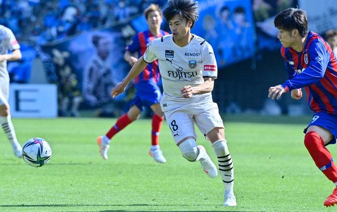 川崎、多摩川クラシコで圧倒!(3)試合の流れを変えかけた「1万7000人の観衆」の画像034