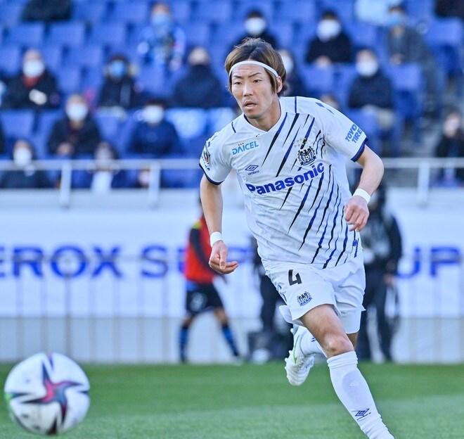 G大阪、今季を占う初戦(1)ベールを脱いだ「4-3-3の新システム」の画像008