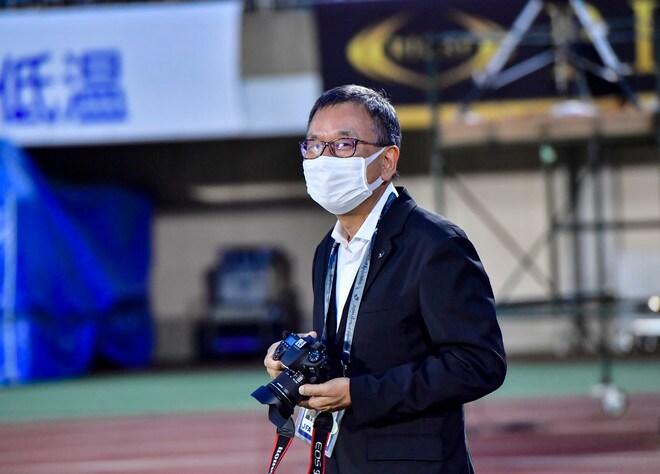 湘南―川崎で珍事! 村井満チェアマンがカメラマンとして川崎を撮影していた!の画像008