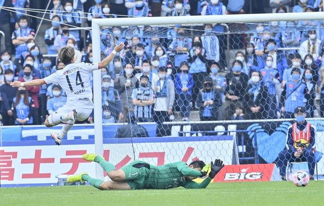 川崎は札幌になぜ負けたのか?(3)パスワークが崩壊した「中盤の複合的要因」の画像019