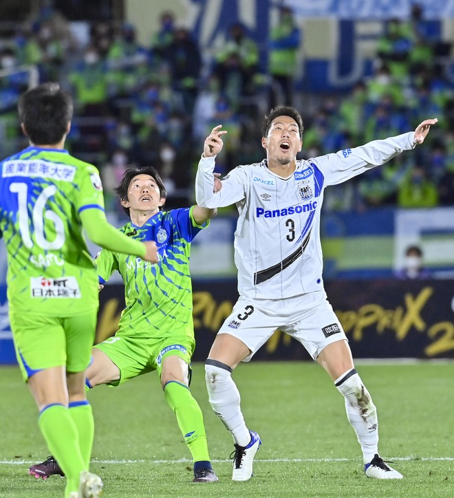 G大阪、総力戦で「2位」死守!(1)苦戦チームをけん引した「パトリックの強靭プレー」の画像006