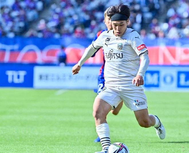 川崎、多摩川クラシコで圧倒!(3)試合の流れを変えかけた「1万7000人の観衆」の画像047
