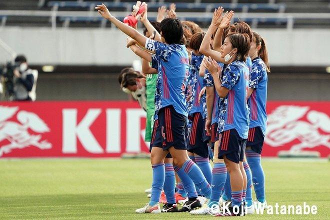【なでしこジャパン】8対0でウクライナ代表に圧勝も…高倉監督が試合後に呼んだ2人の選手 PHOTOギャラリー「ピッチの焦点」の画像019