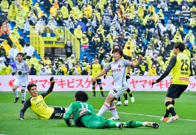 名古屋、采配対決に勝った!(1)選手に授けた「我慢」と「スペースの使い方」の画像031