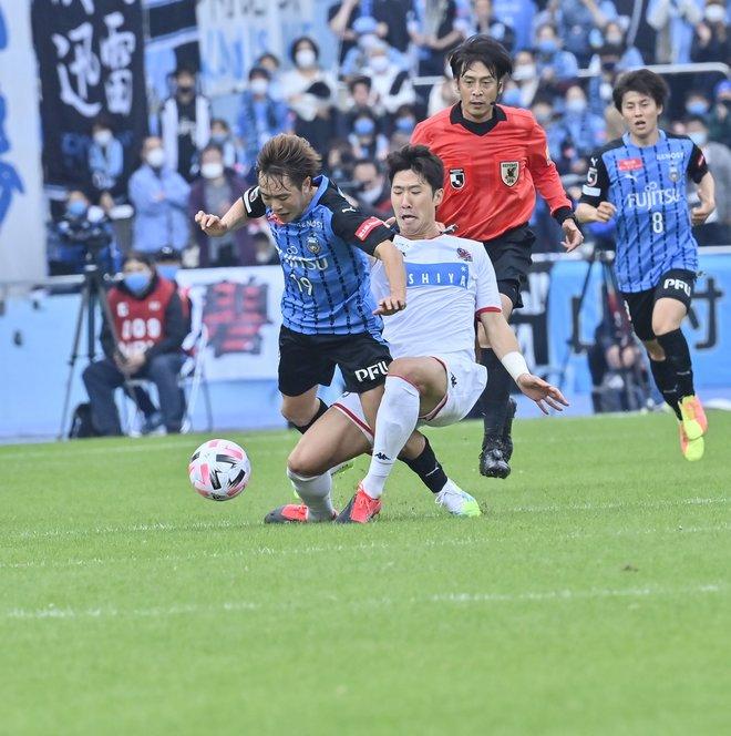 川崎は札幌になぜ負けたのか?(3)パスワークが崩壊した「中盤の複合的要因」の画像023