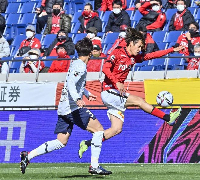 """新生・浦和レッズ、開幕!(1) ピッチで握った""""ボール""""と""""ゲーム""""の画像010"""